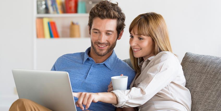 Mutuelle obligatoire et conjoint : dispense d'adhésion