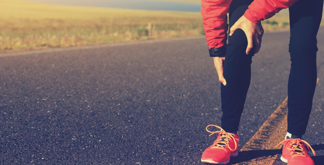 Jambes lourdes : 5 astuces pour vous aider